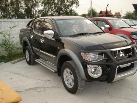 pics of new and used Mitsubishi Triton from Thailand's, Singapore's, Dubai's and UK's top new and used Mitsubishi L200 2.5 and 3.2 Double Cab