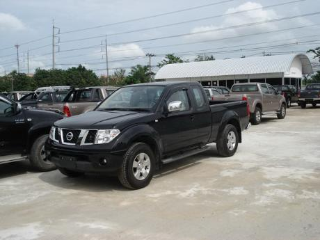 pics of new and used Extra Cab Nissan Navara from Thailand's, Singapore's, Dubai's and UK's top new and used Nissan Navara Single, Extra and Double Cab dealer and exporter Soni Motors